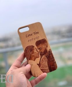 couple-gifts-engraved-customised-phone-case-1.jpeg
