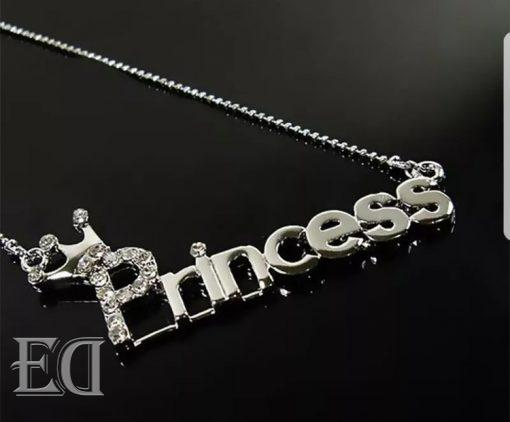 couple-gifts-necklace-princess-1.jpg